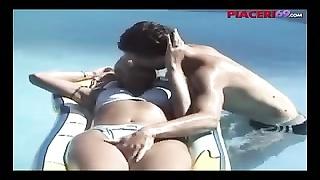 239087Estate italiana e voglia di sesso - italian summer