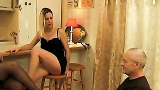 241175Un vieux pervers francais leche deux bonnasses