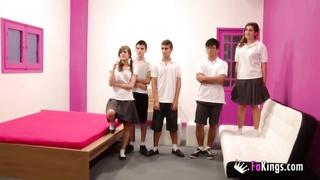 246562ainara orgia en el colegio parte 1
