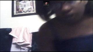 Black Amateur Plays on Cam and Shows Tits