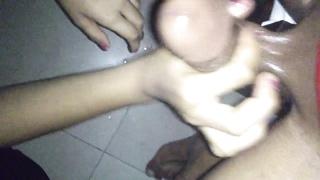 Paksitani Paki girl gives awesome oily handjob