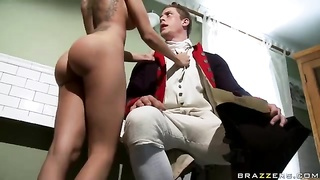 Lela Star - The British Are Cumming