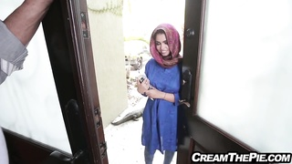 Middle Eastern cutie fucking creampied by big American cock