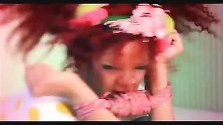 Rihanna S&M Remix (HOT VIDEO)
