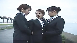 tres lesbianas besandose