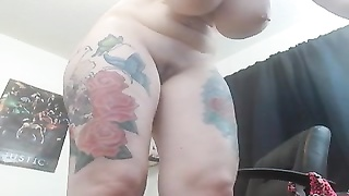 Tattooed girl using machine fuck