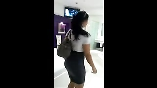 INDIAN GIRL WITH A KILLER BODY UNDRESS