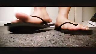 FF24 Nisha In Her Flip Flops