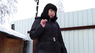 Russian pees on exactly the snow