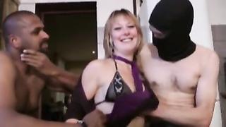 Aurelie, blond mature in sex parties