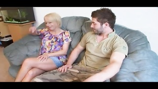 261673Fortunate Stud Slams His Gfs Mature Mother