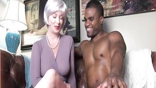 sexy milf seduces ebony dude