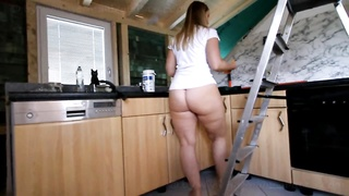 266246Fat Ass PAWG Cleaning the Kitchen Bottomless