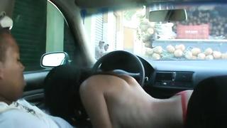 Brasilian sex on automobile
