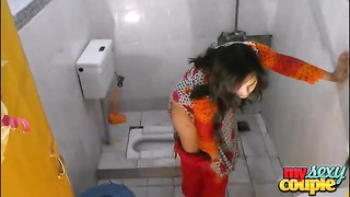 indian home made couple sonia and sunny xxx sex in hit the shower