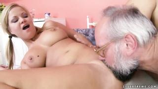Elderly fart is having wild sex with Sunny Diamond