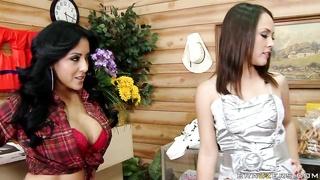 Busty honey Kiara Mia gets her hands on Kristina Rose