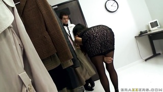 Classy MILF Ariella Ferrera sucks big hard cock