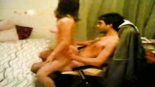 Pakistani Girlfriend Having Fun With 2 cousins MMS
