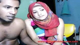 newly married indian srilankan couple reside on web cam demonstrate