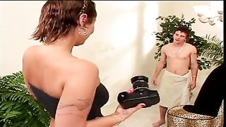 Mature photographer seduces younger model