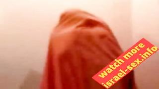 horny amateur muslim girl show ass