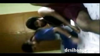Sexy Bangladeshi girlfriend doing sex with boyfriend www.desihoney.com