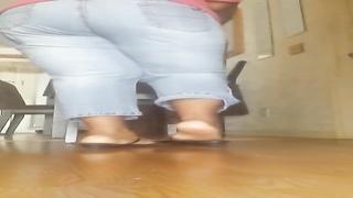 ebony feet bust a nut