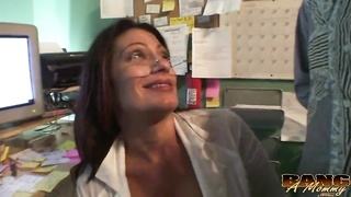 289213Innovative glamorous mom is having fun with instant getting laid in office with a random dude
