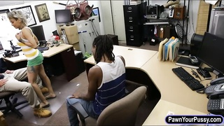 Black guy let the pawn guy fucked his GF