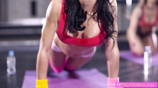 Sexy beauty Sophia is ready to work out with a huge cock