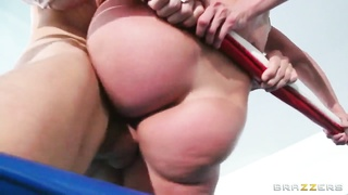 Johnny Sins gurgles and screws sexy dame Kendra Lust