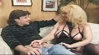 Mature blond is revealing her cock sucking abilities in precisely the close-up