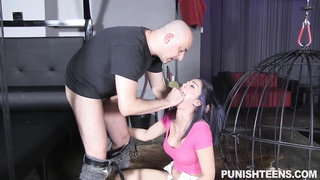 Dark Haired hottie provides a yummy mouth-fuck for her gonzo fucker