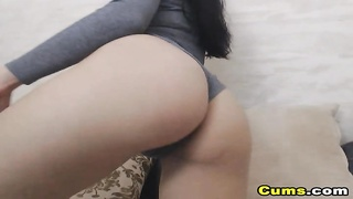 Very Hot Pretty Chick Masturbate on Cam