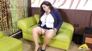 Rosaly is masturbating her fat latina granny pussy