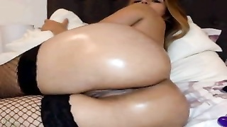 Oily Girl On Cam- 17SEXCAM.COM