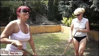 301161Teens n grannys outdoor lesbian foursome