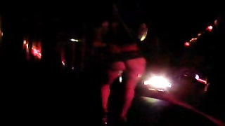 Ultra spicy long-legged stripper illustrates her nice shape