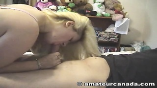 Bleached milf is getting your mitts on a hard pole deep in her lips