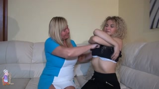 304396OLDNANNY Mature and teen lesbian strapon