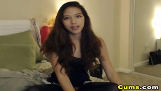 Hot Asian Teen Babe Loves to Masturbate on Cam