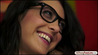 Carolina Abril licked and fists a granny