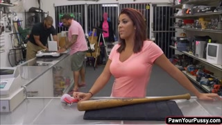 Latina babe Mia banged in the pawnshop