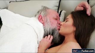 Hungarian Anita Bellini deepthroating grandad