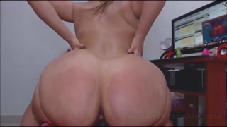 Twerking Big Fat Oiled Bubble Butt On Anal Toys