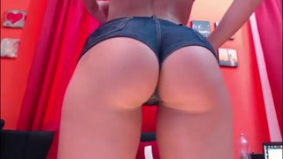 Perfect butt in short and pasted - burstpussy.com