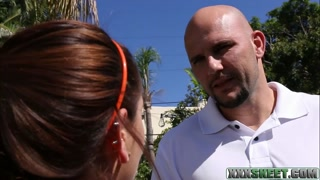 Pretty Brooke Haze banged by bald dude