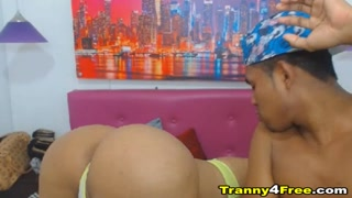 Awesome Tranny Loves to Suck Cock