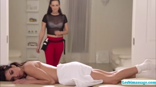 Two hot lesbians bounces energe tically till they both cum
